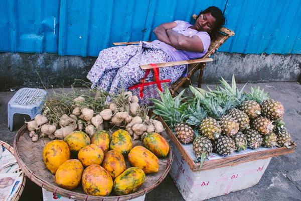 Street vendor, Yangon