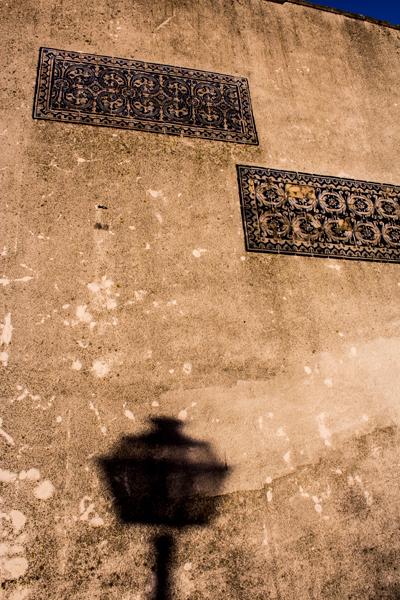 Shadows with azulejos, Lisbon