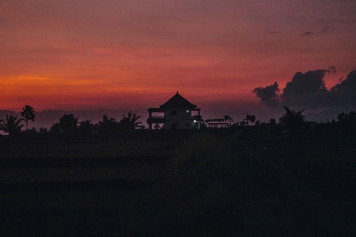 Pulukan at sunset, Bali