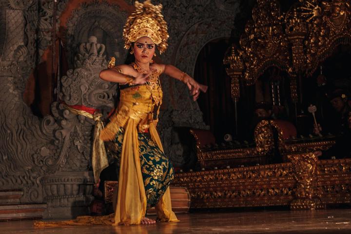 Oleg Tamulilingan Dance, Bali