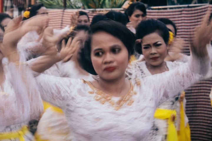 Rejang Renteng Dance, Bali