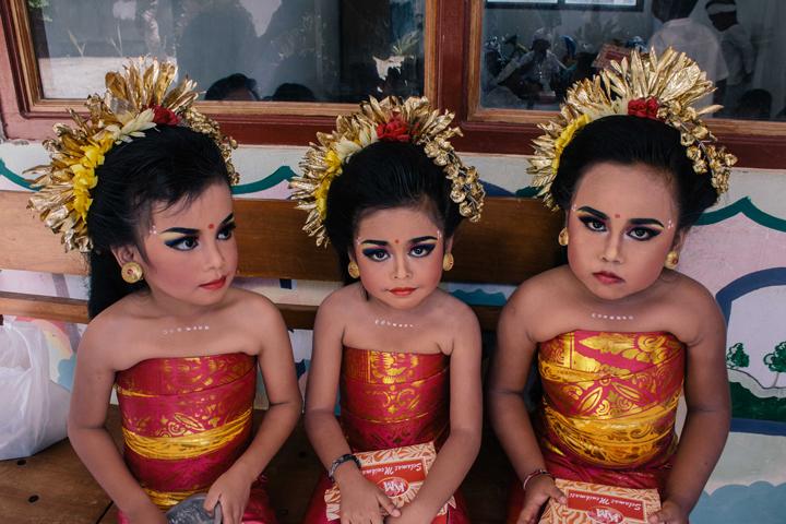 School dance performance, Bali